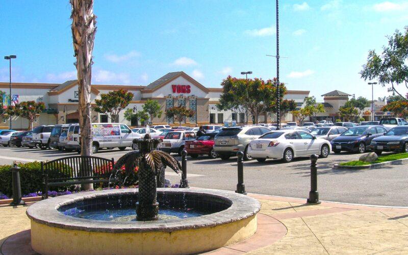 Victoria Plaza Shopping Center